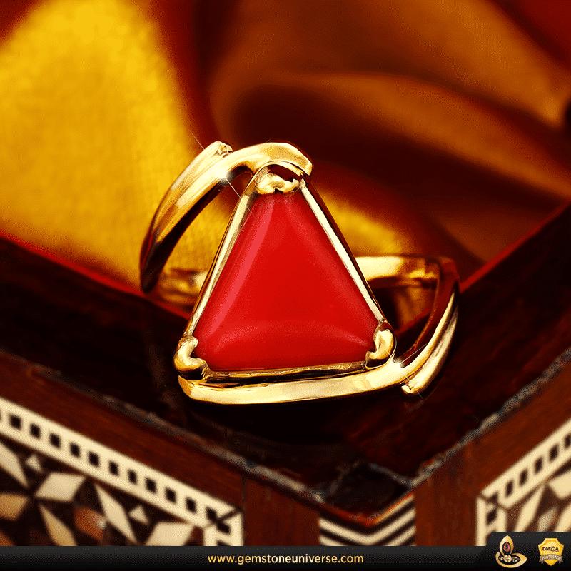 Exquisito anillo de coral rojo con piedras preciosas Jyotish de Gemstoneuniverse