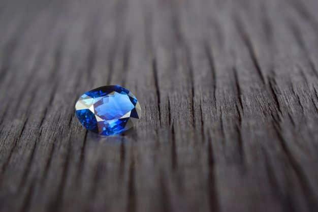 zafiro-azul-valioso-gemaspreciosas